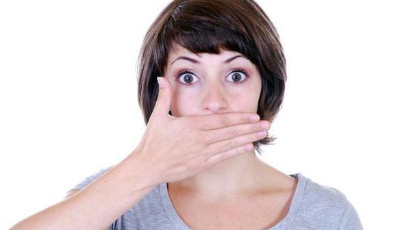 Causas de sufrir halitosis